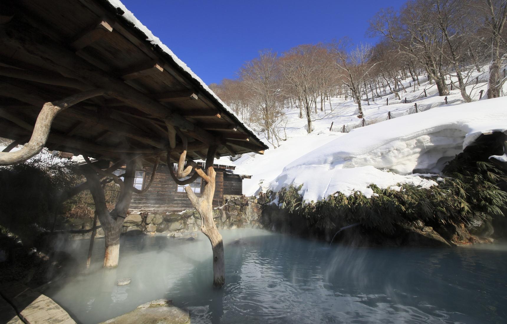 用温暖抵御严寒,日本4大必去的冬日户外温泉