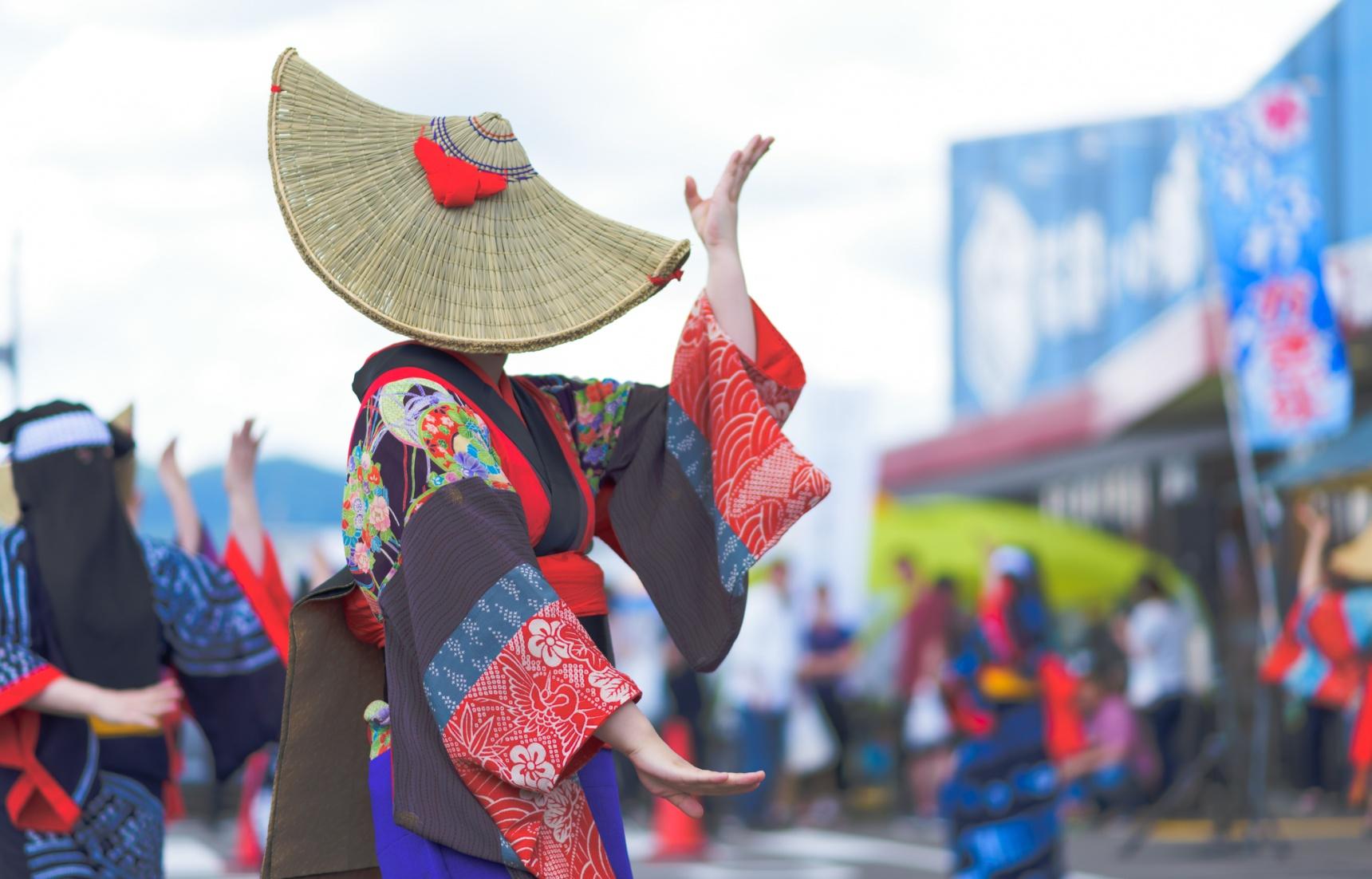 日本文化:盂兰盆节到底是不是鬼节?快来看茄子和黄瓜背后的故事